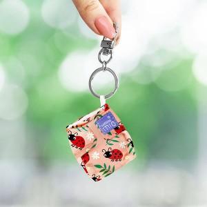 minisolo-loveable-ladybug-holding-web